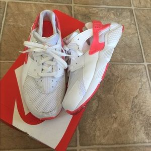 Nike huaraches for girls